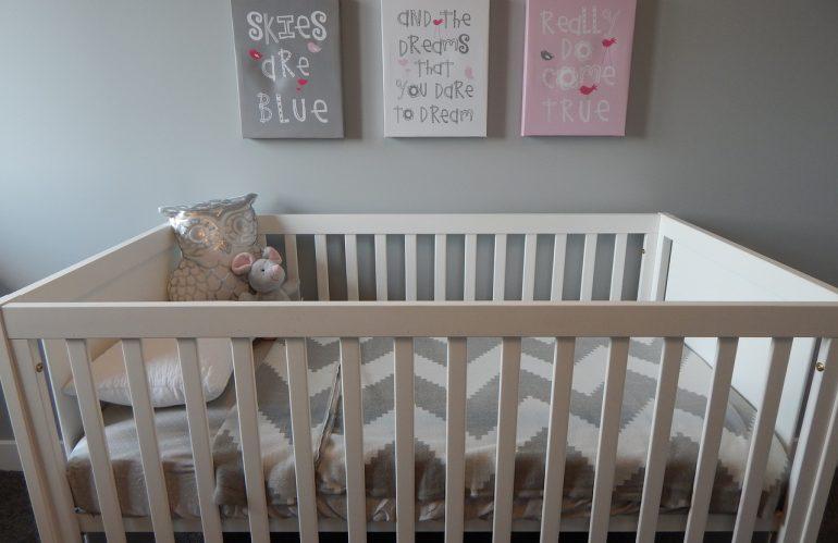 Quelle couleur choisir pour peindre la chambre de bébé ?